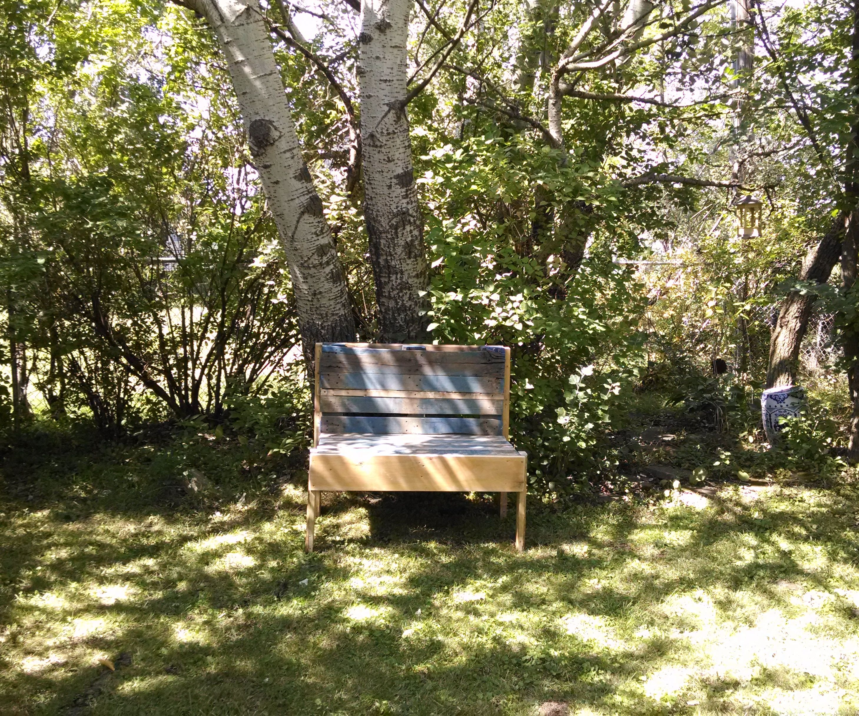 Yet another pallet bench
