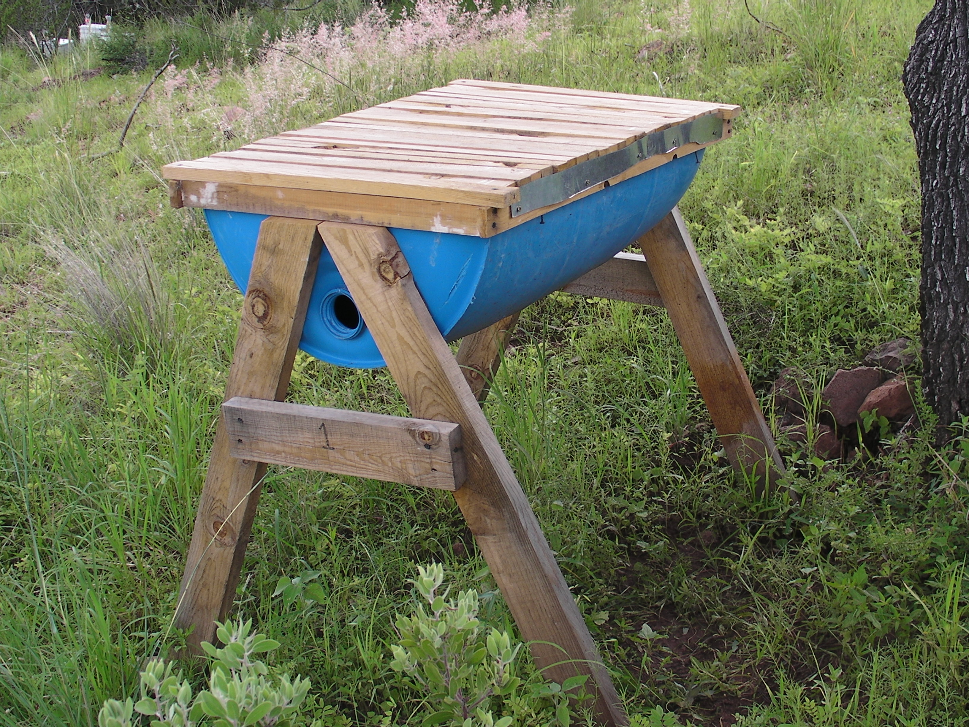 Make your own Honey Cow (Top Bar Bee Hive)