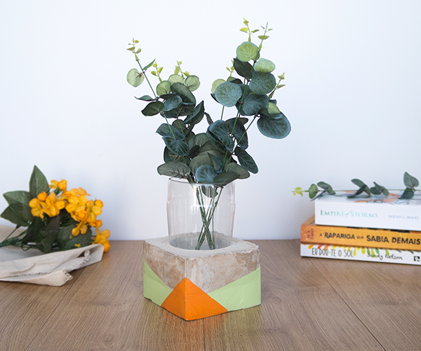 Upcycled Cement Vase Using a Plastic Bottle