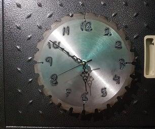 Table Saw Blade Clock / Reloj De Sierra Circular