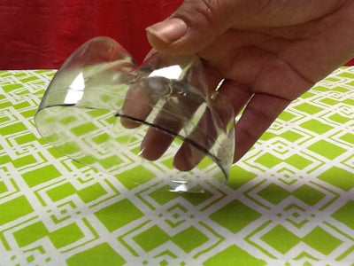 Upcycle It! Plastic Bottle Zipper Change Holder