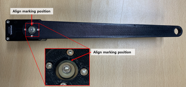 Install a Link 200 a to the Dynamixel (ID 2) by 4 Bolts (WB_M2X03) While Paying Attention the Align Marking Position on the Dynamixel Horn.