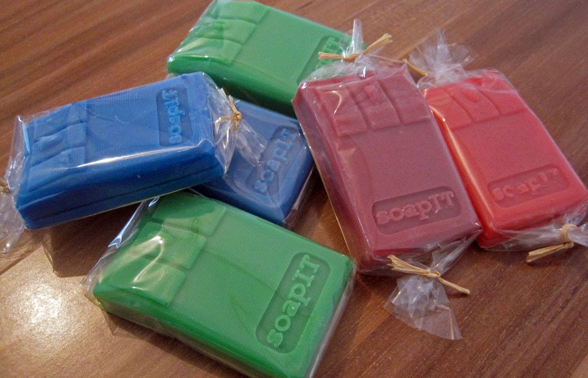 Molds for casting soap with 3D printing
