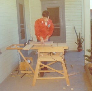 A Precise Table Saw From an Electric Hand Saw