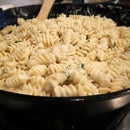 Lemon and Garlic Cream Pasta
