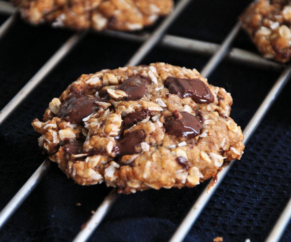 Healthy Coconut Chocolate Chunk Cookies