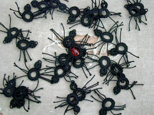Tiny Tatted Spiders