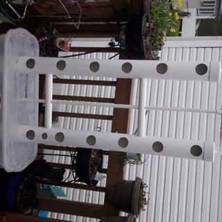 Minimal Vertical Aquaponics Garden DIY