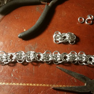 Chainmaille 101: Weaves a Plenty