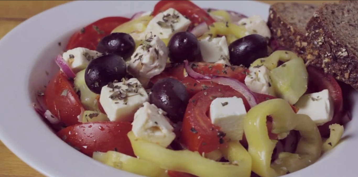 How to Prepare Greek Salad