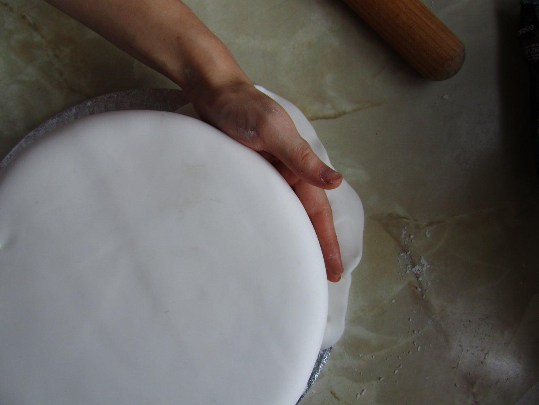 Icing the Cake: Fondant