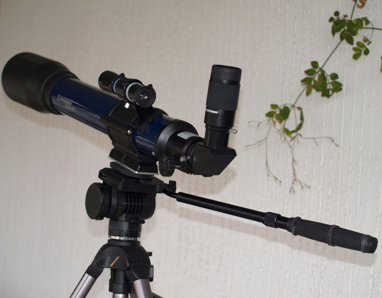(8) Mount It on a Photographic Tripod