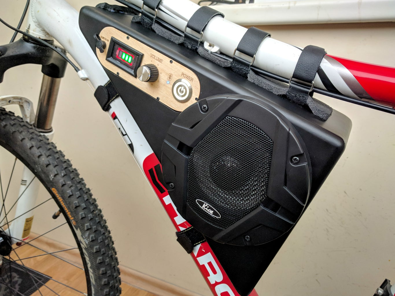 Wireless Bicycle Mounted Bluetooth Speaker