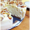 New York Style Cheesecake with Almonds and a Speculaas Crust