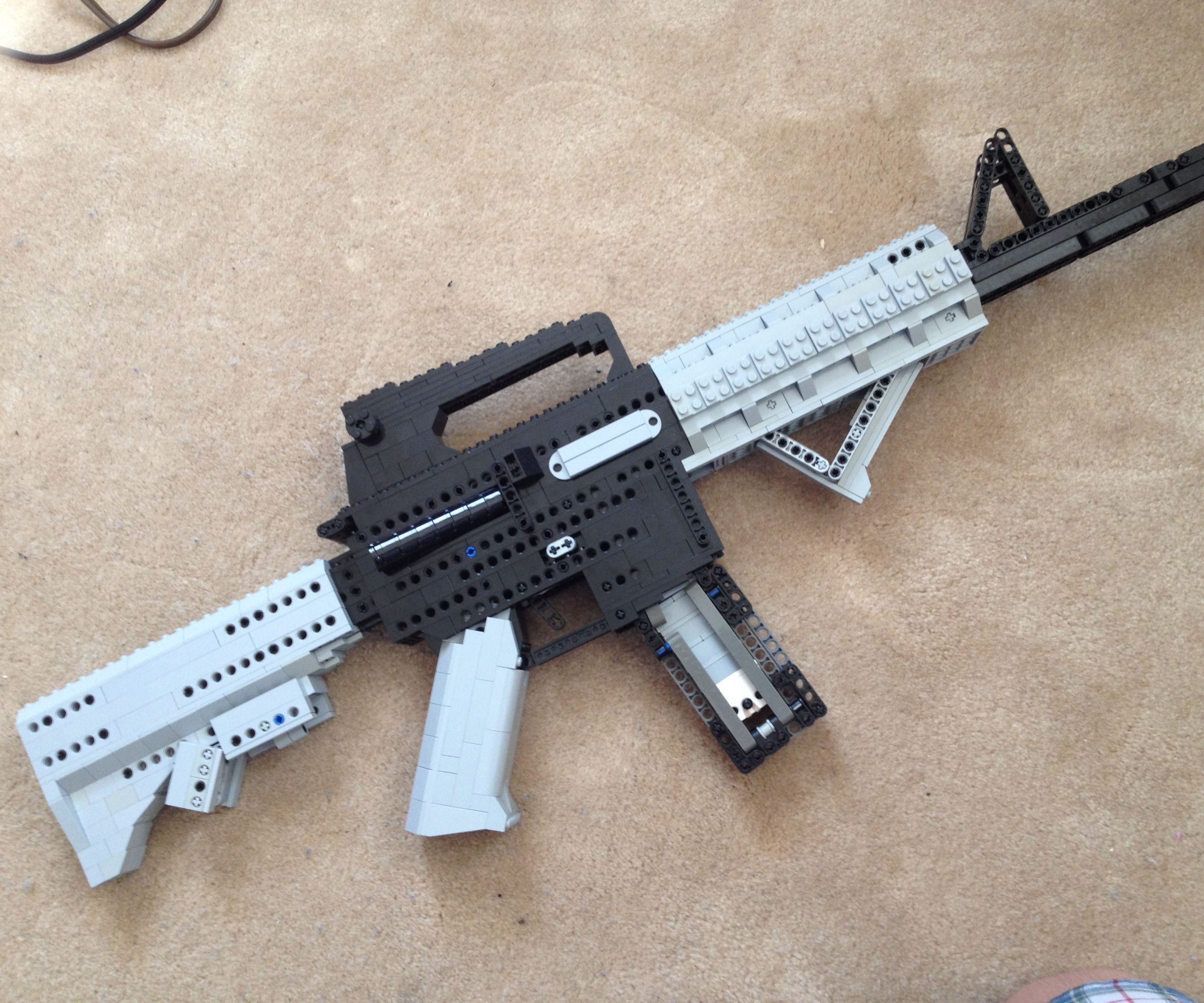 A Shootible LEGO M4A1