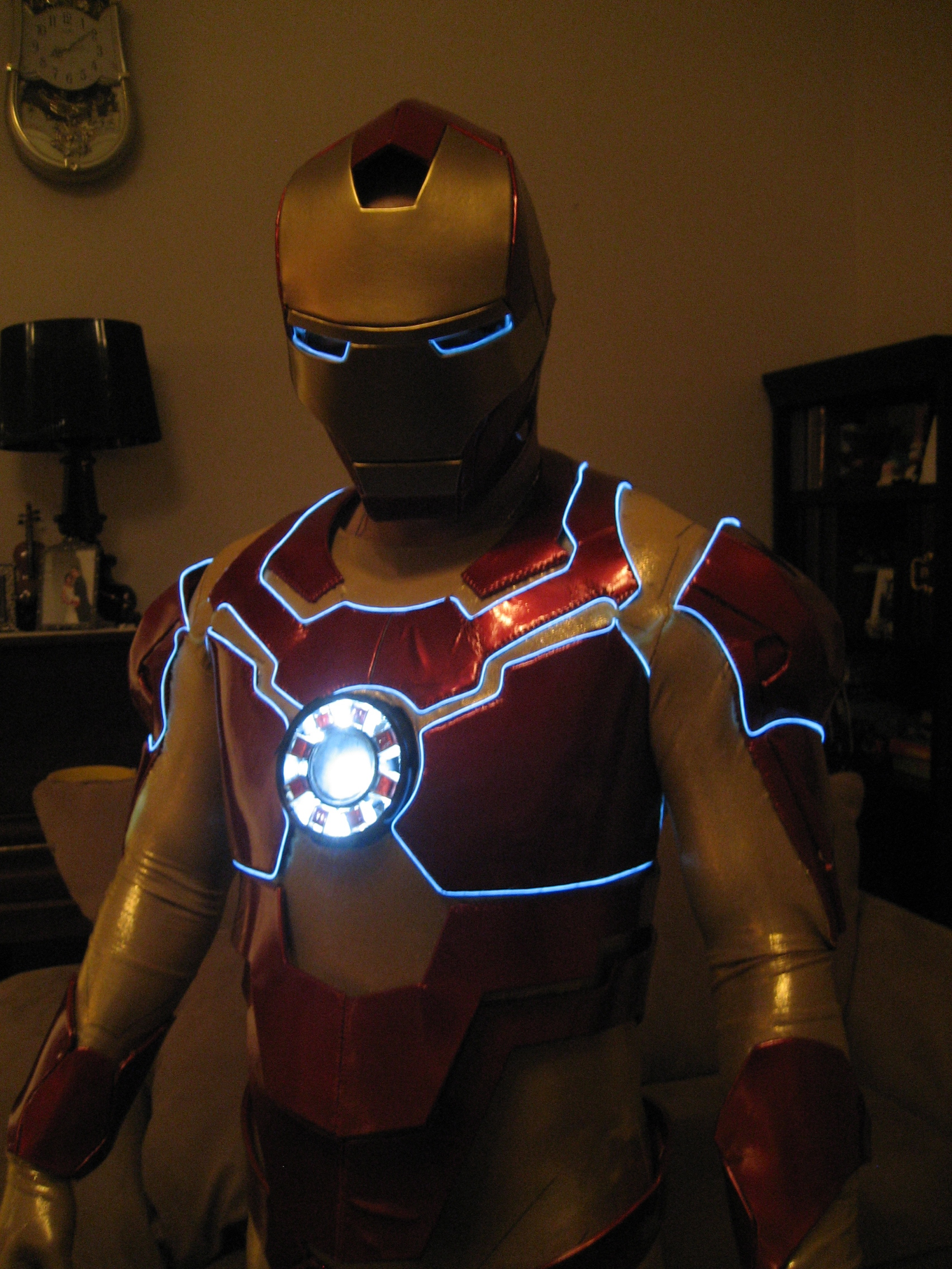 How to make an Ironman Costume using the vinyl and foam method!
