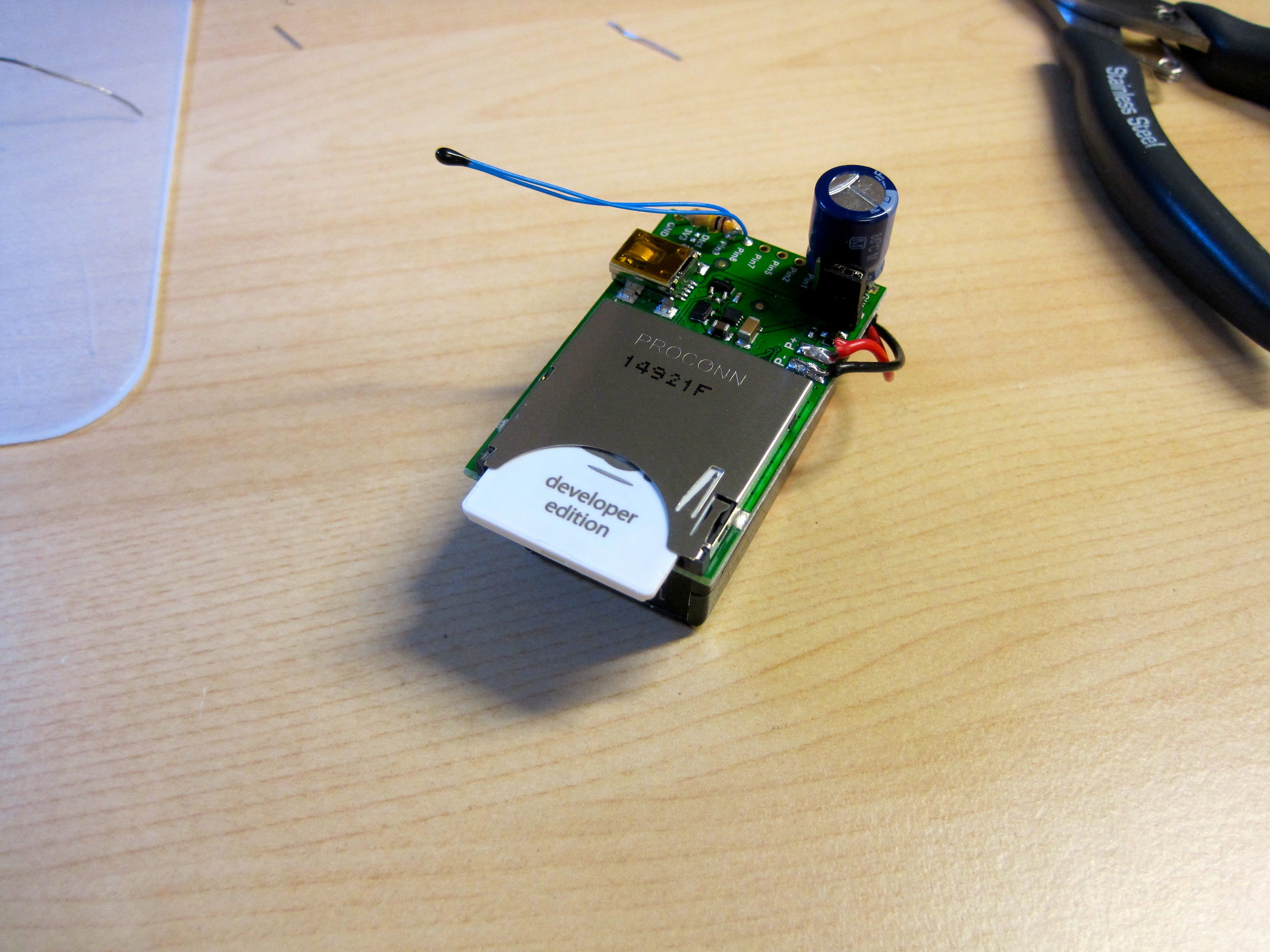 TempBug: internet-connected thermometer
