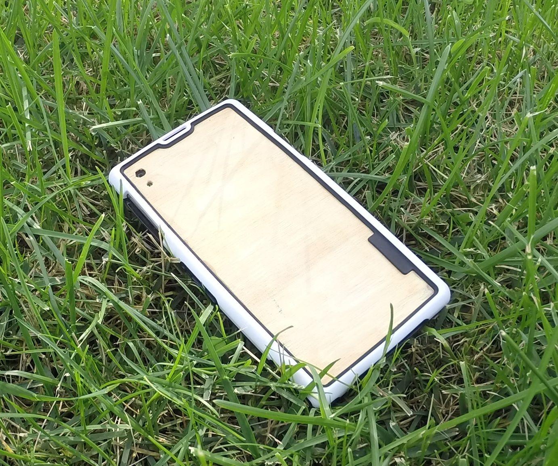 Custom Xperia Z1 back glass with wood!