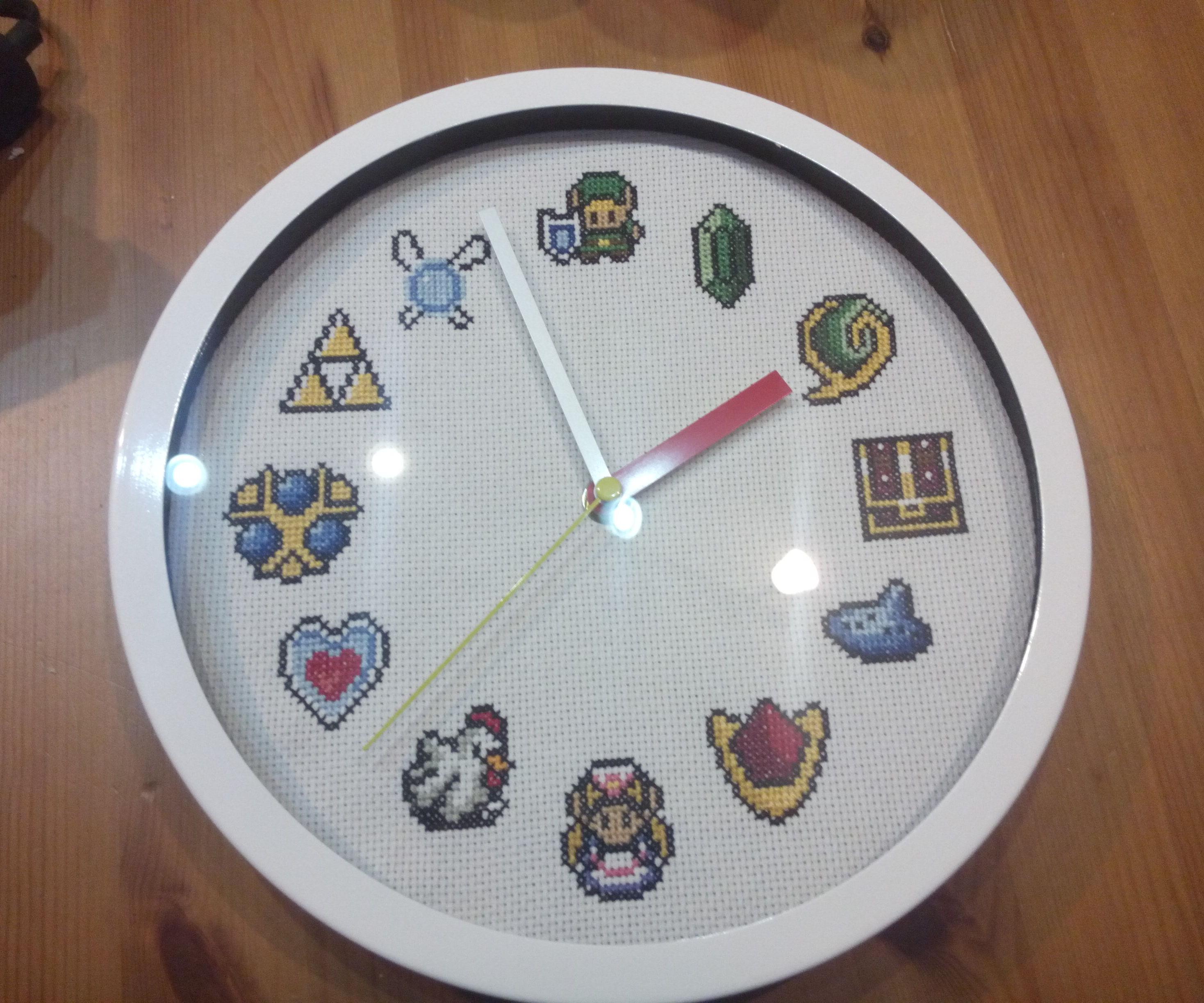 Zelda cross stitch clock + pattern