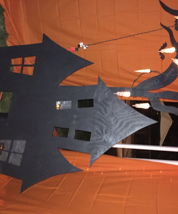 """Lighted Haunted House Decoration """"Portable"""""""
