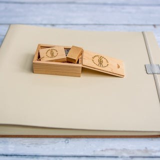 Leather Guest Book & USB 005.jpg