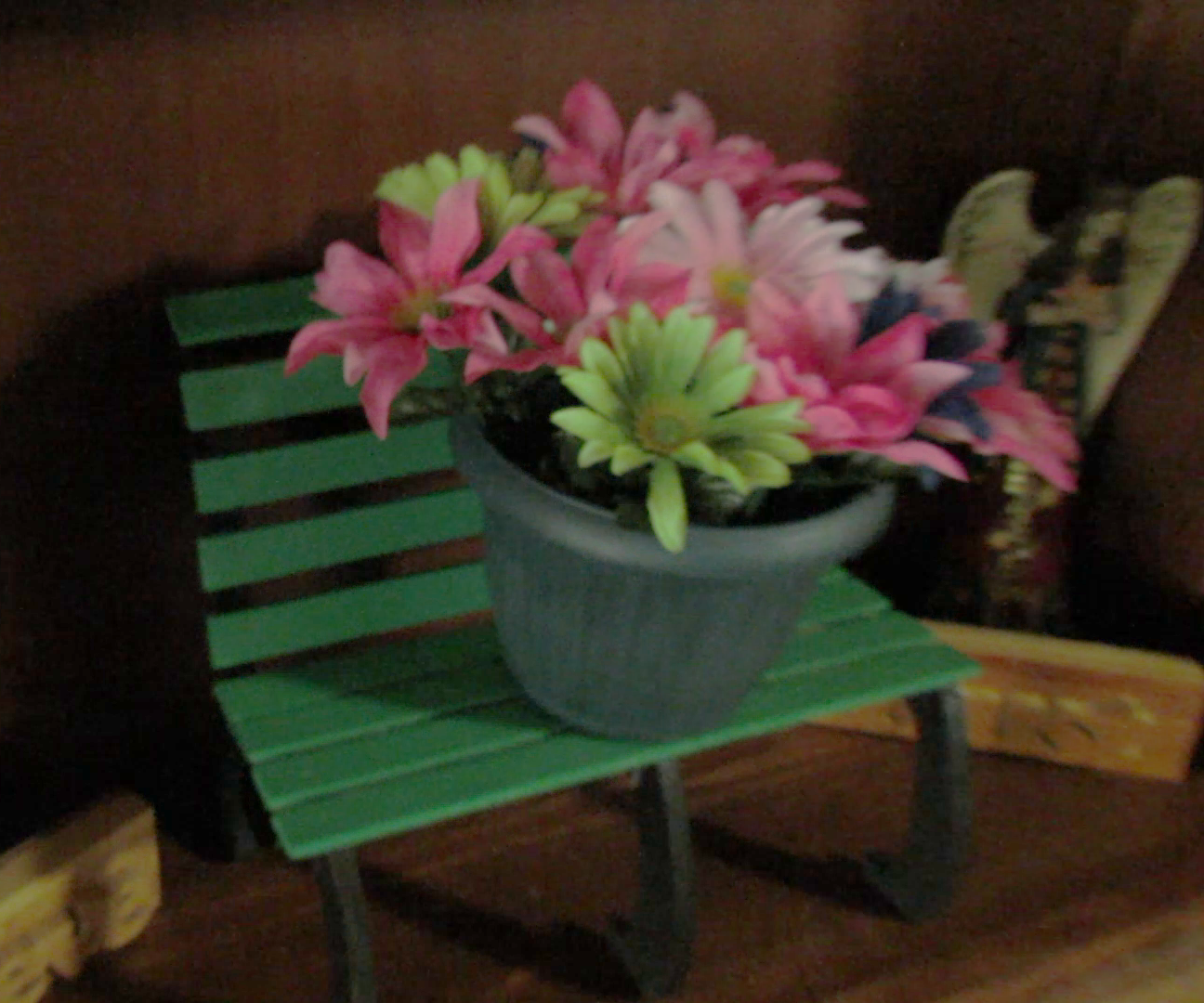DIY Park Bench Plant Stand