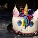 RAINBOW UNICORN PINATA CAKE