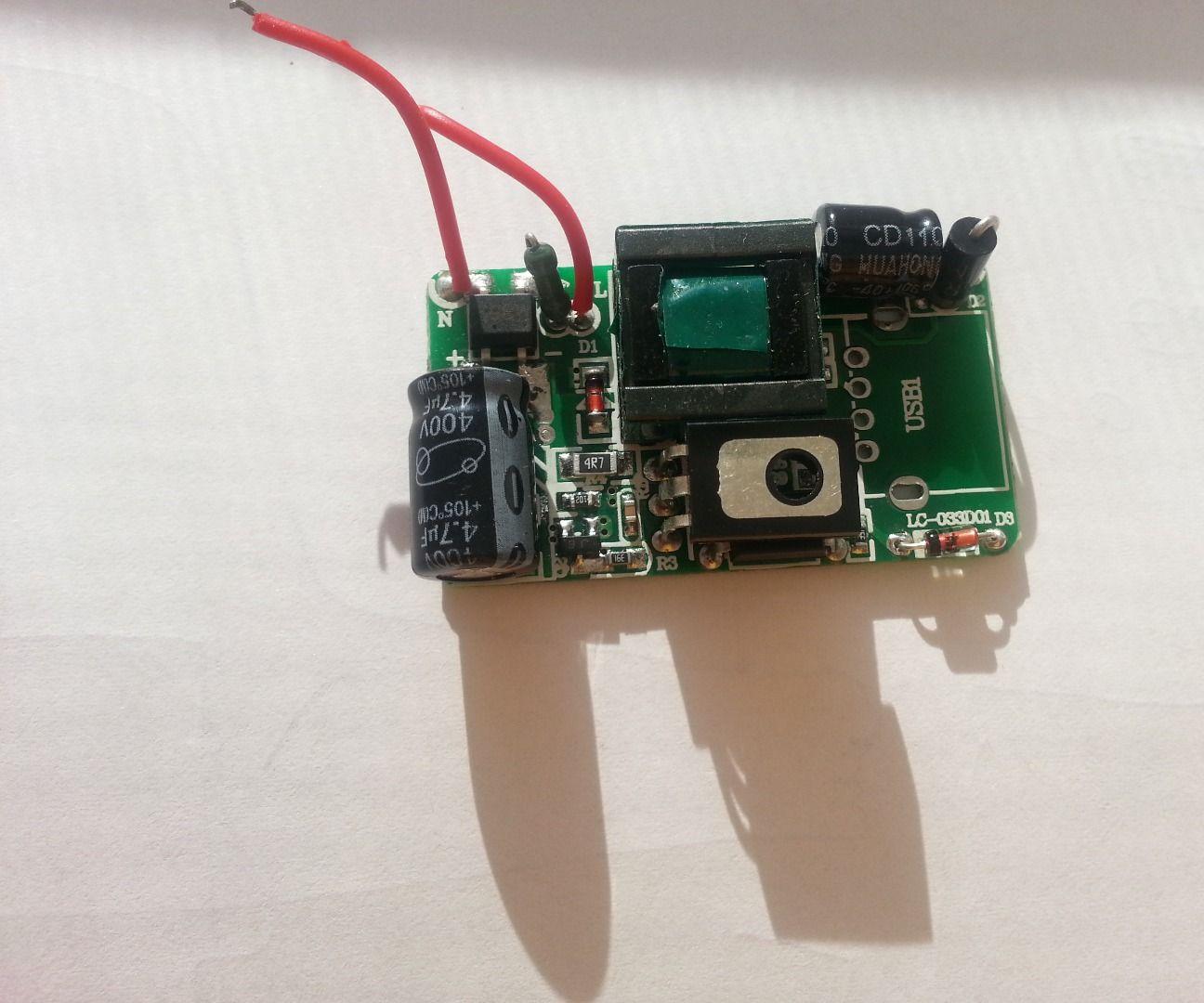 USB charger modify output voltage