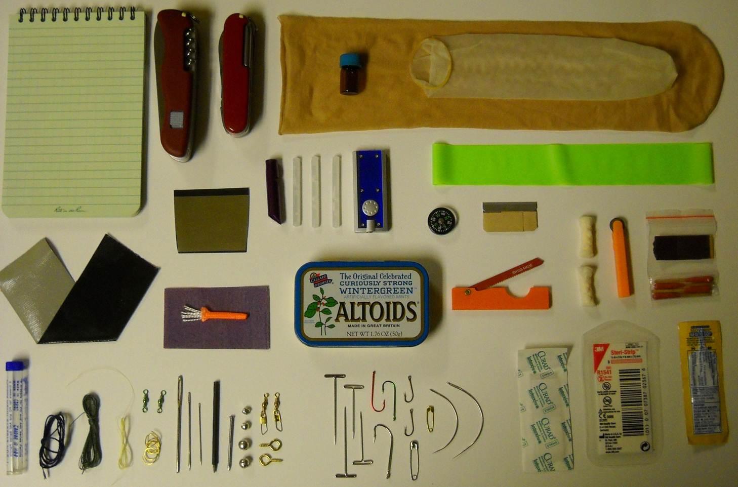 Uncle AZ's Altoids Survival Kit