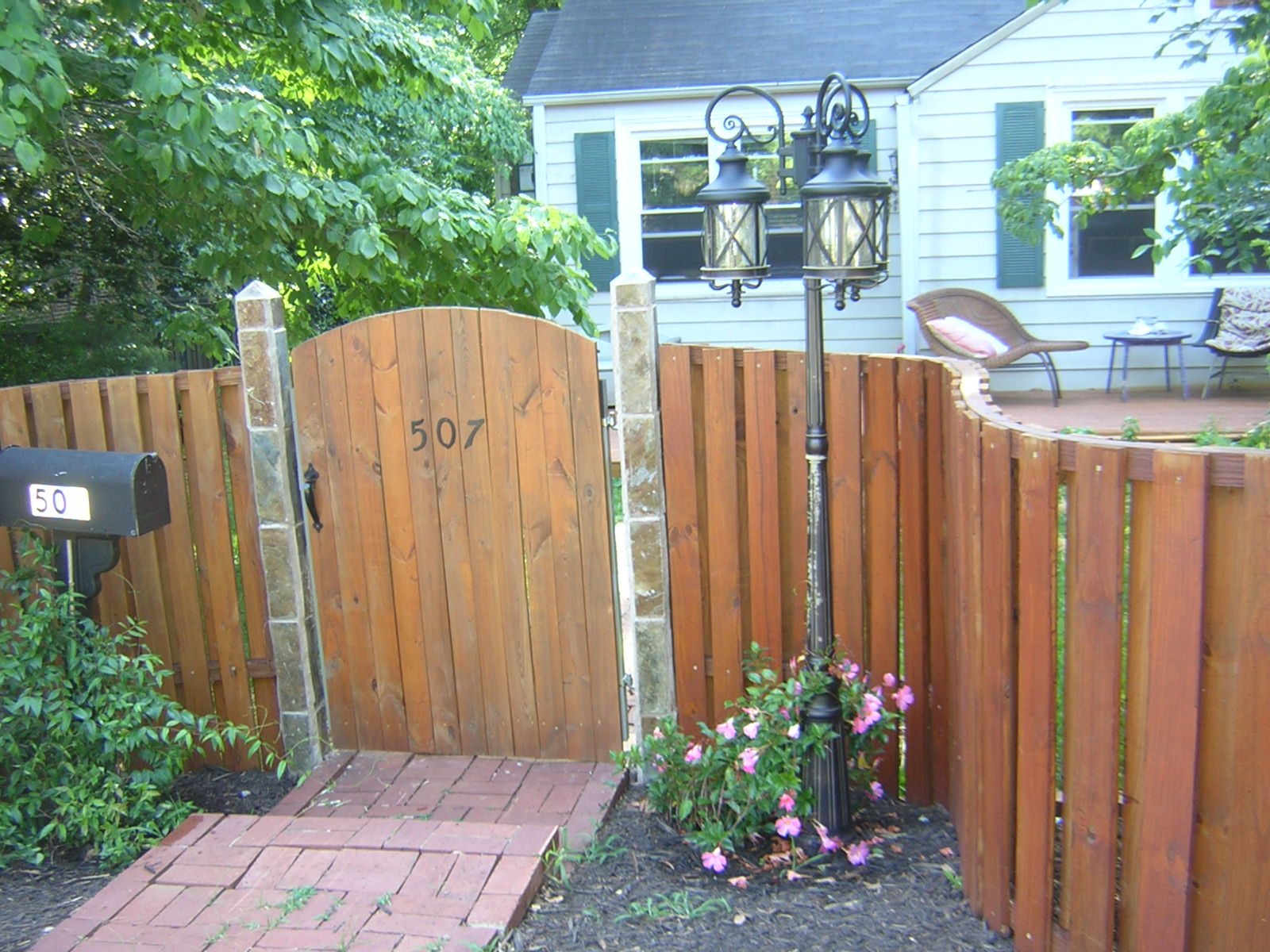 Build a Curved Wooden Fence