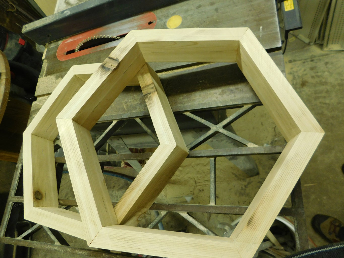 The First Hexagon: the Bottom Board and the Top Quilt Box