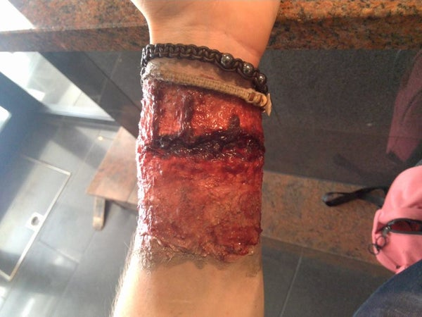 Inexpensive Reusable FX Wounds With Silicone and Make-up