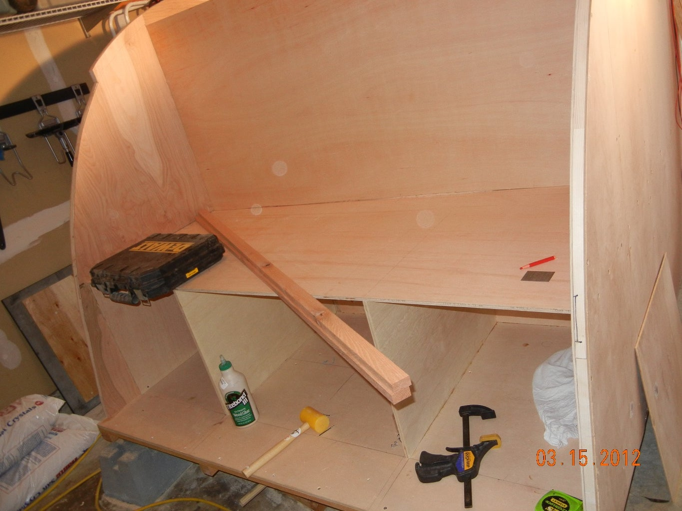 Mounting the Sides and Roof Struts
