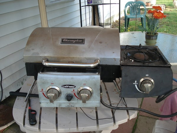 How to Modify a Camping Grill With Side Burner