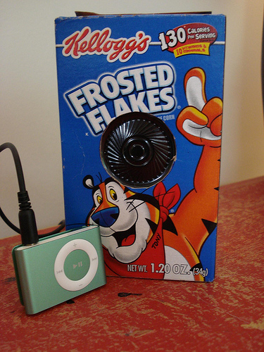 Make an iPod Speaker from a Hallmark Music Card