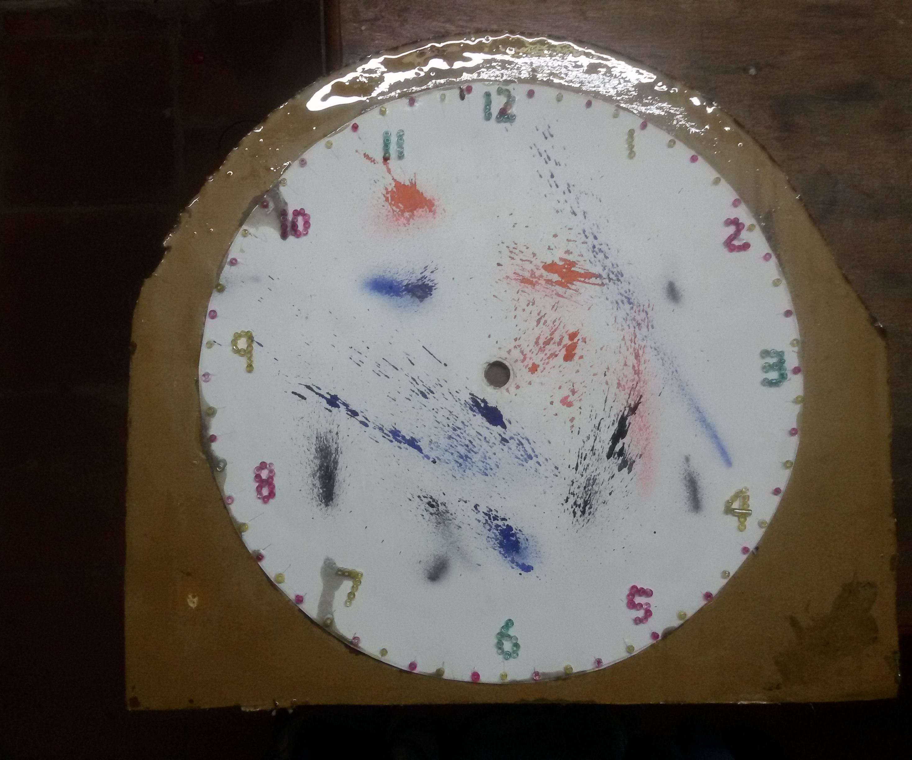CUSTOMIZED DECORATIVE CLOCK