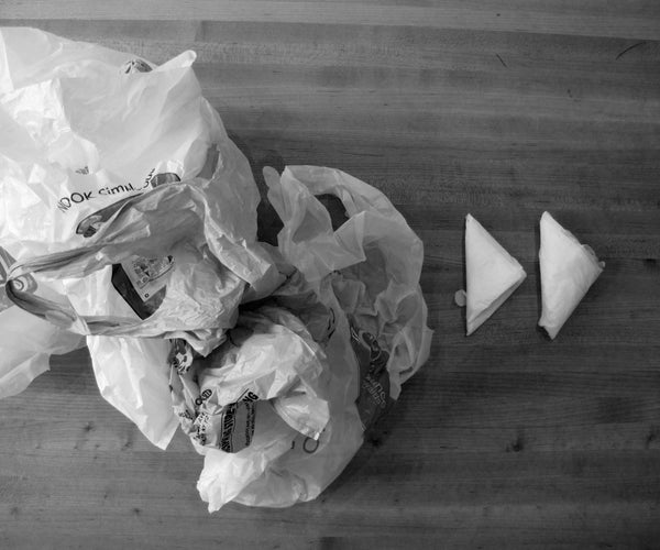HOW TO ORGANIZE YOUR PLASTIC BAGS