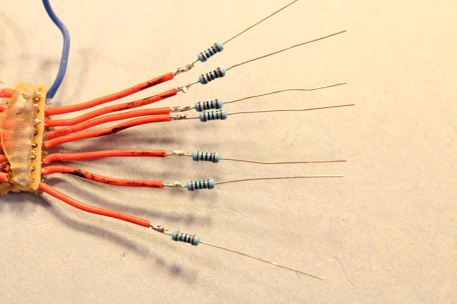[UPDATE] Adding Resistors for the LEDs