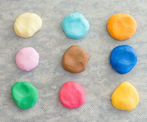 How to Add Coloring to Fondant