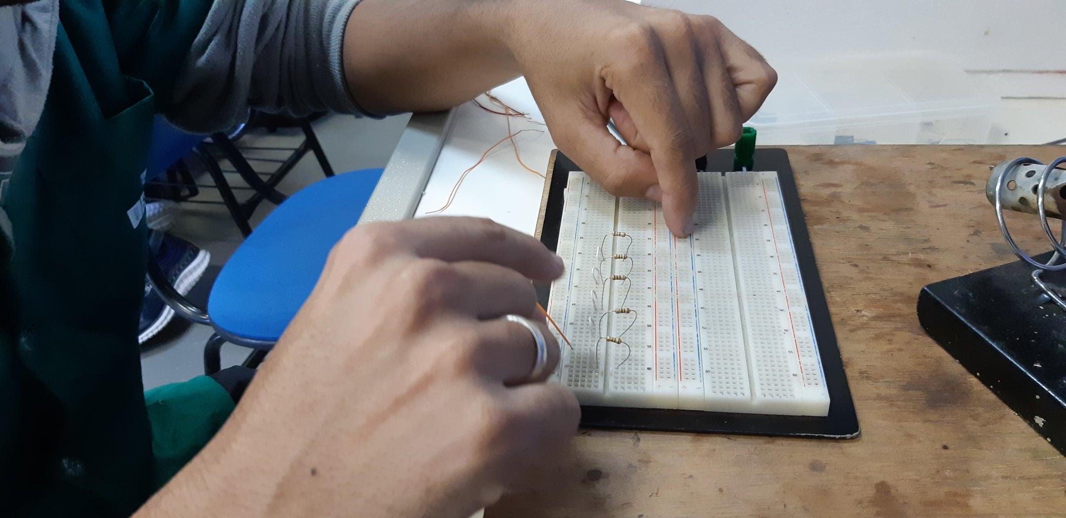 Conectar Os Resistores E LEDs No Protoboard