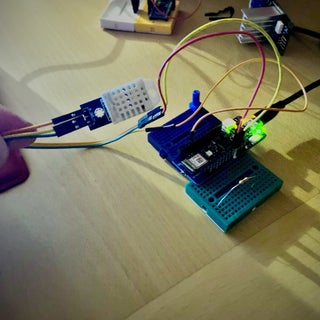 How to Use DHT-22 Sensor - Arduino Tutorial