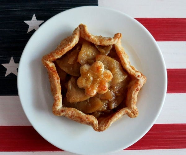 Rustic Bacon Apple Mini Pies