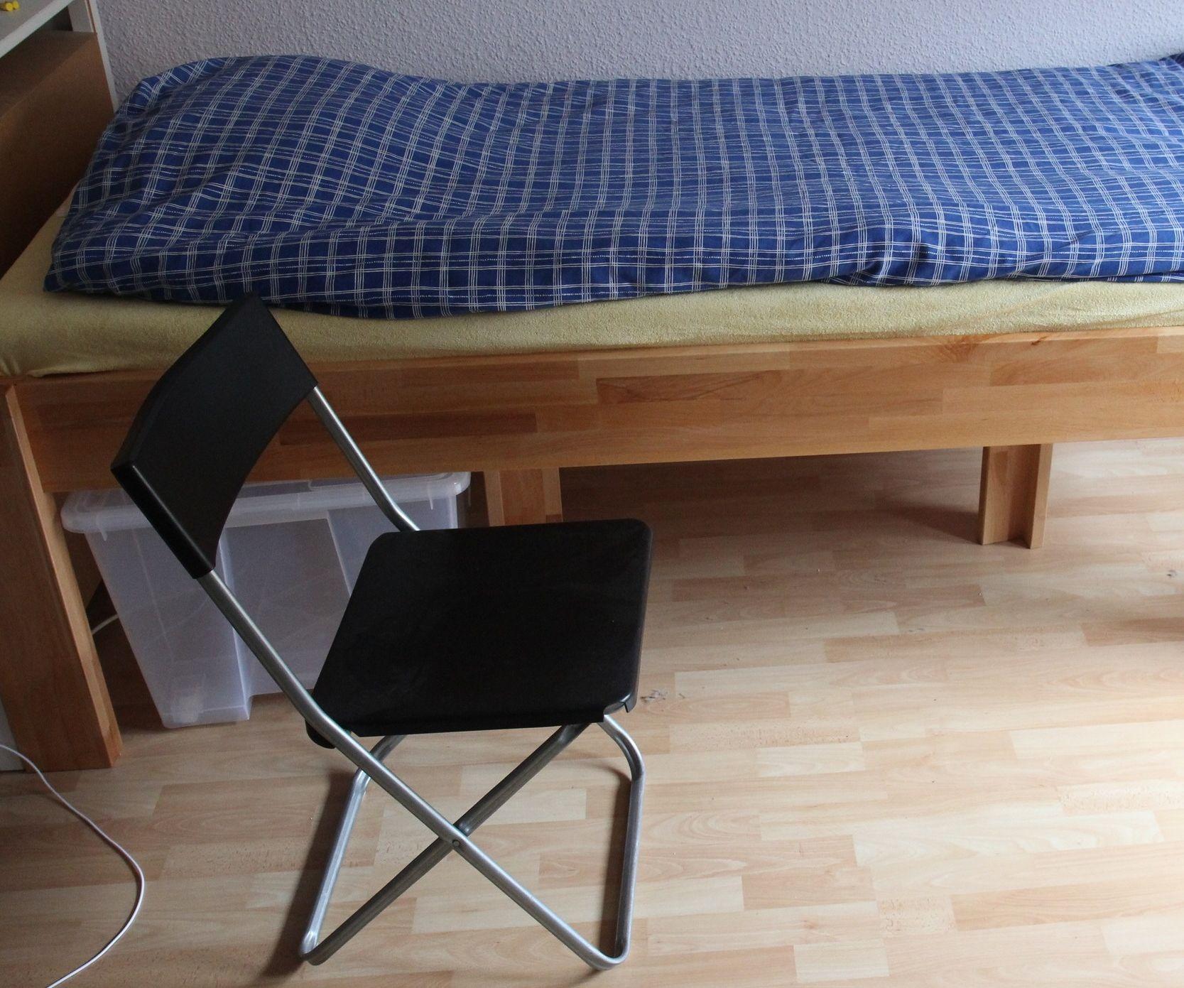 Oversized Modular Bed From Cheap Supplies