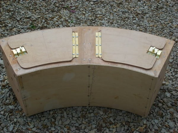 Curved Transport Box for Small Animals