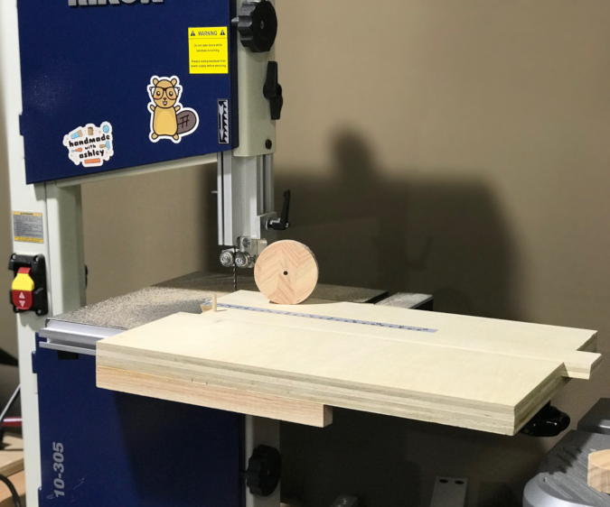 Build a Bandsaw Circle Cutting Jig