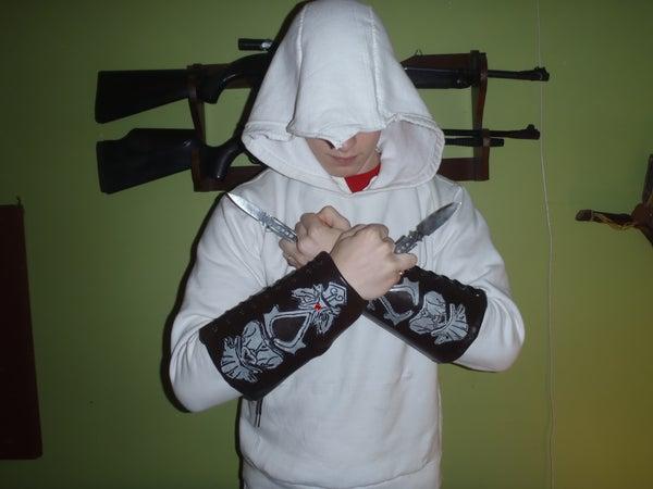 How to Make an Assassin's Creed Hidden Blade W/ Vambrace