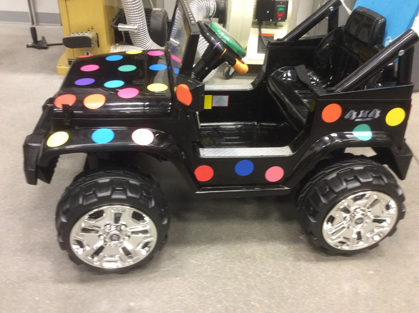 WSU GoBabyGo Modification - Ride on 12V Jeep With Big Mac Switch