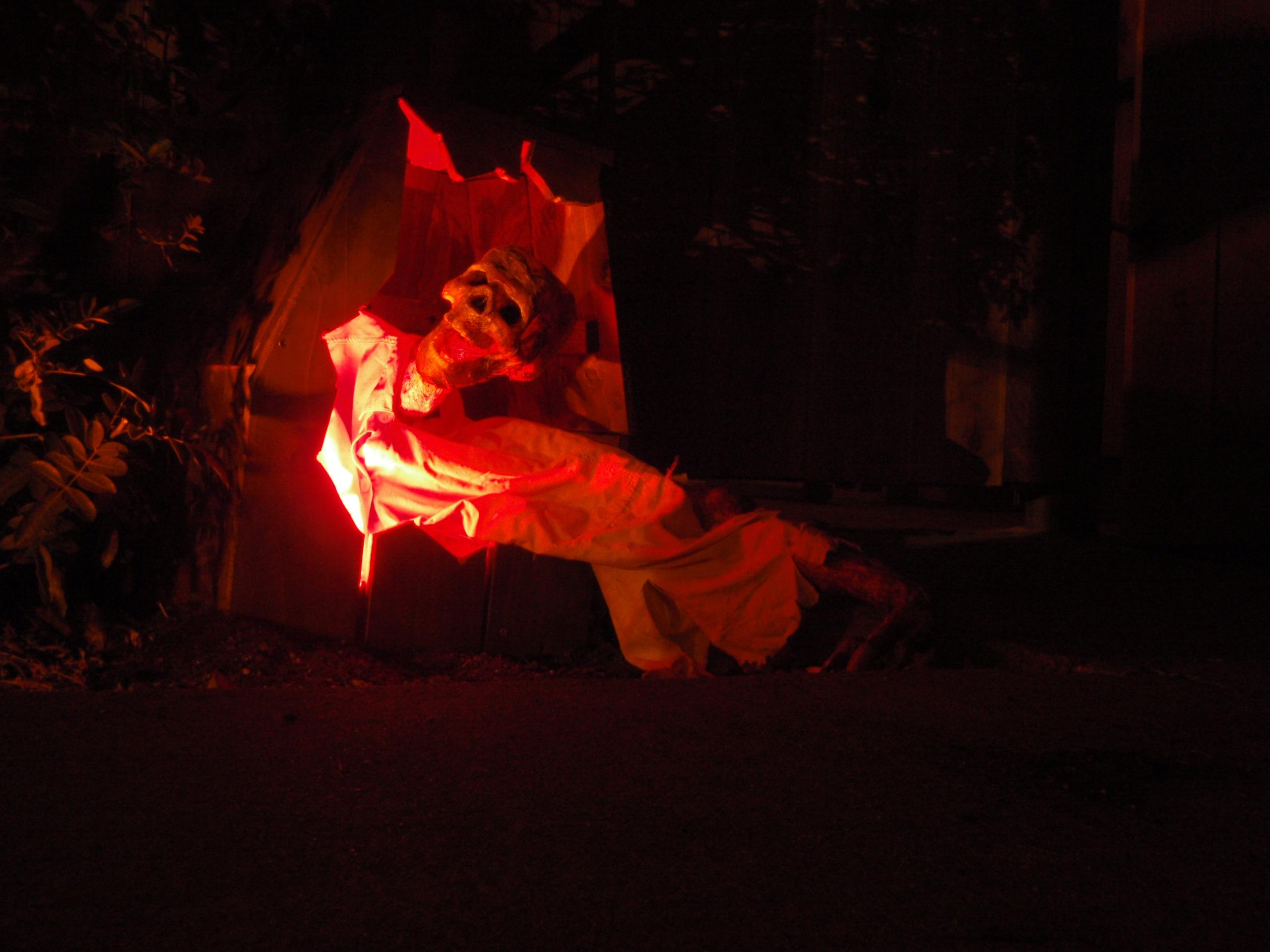 Shiatsu Zombie Grave Escape