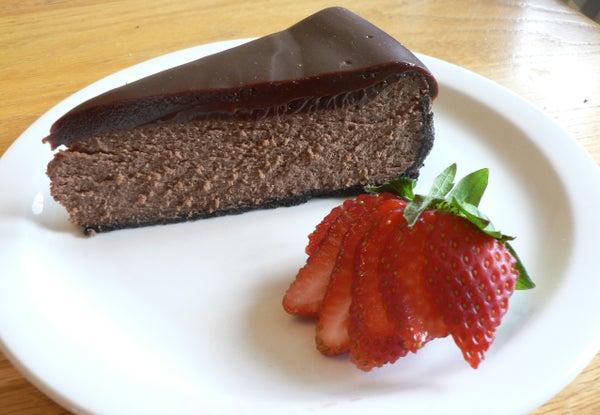 Double Chocolate Cheesecake With Chocolate Ganache