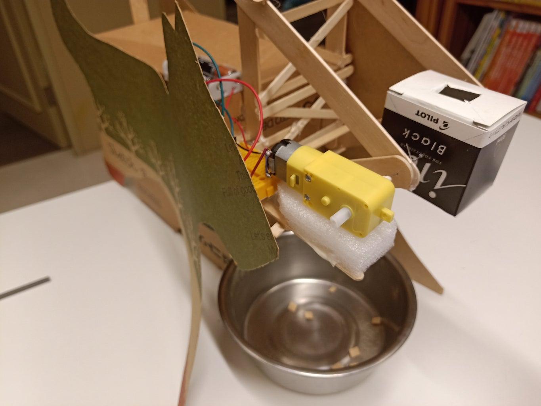 Automatic Wheeled Feed Dropper